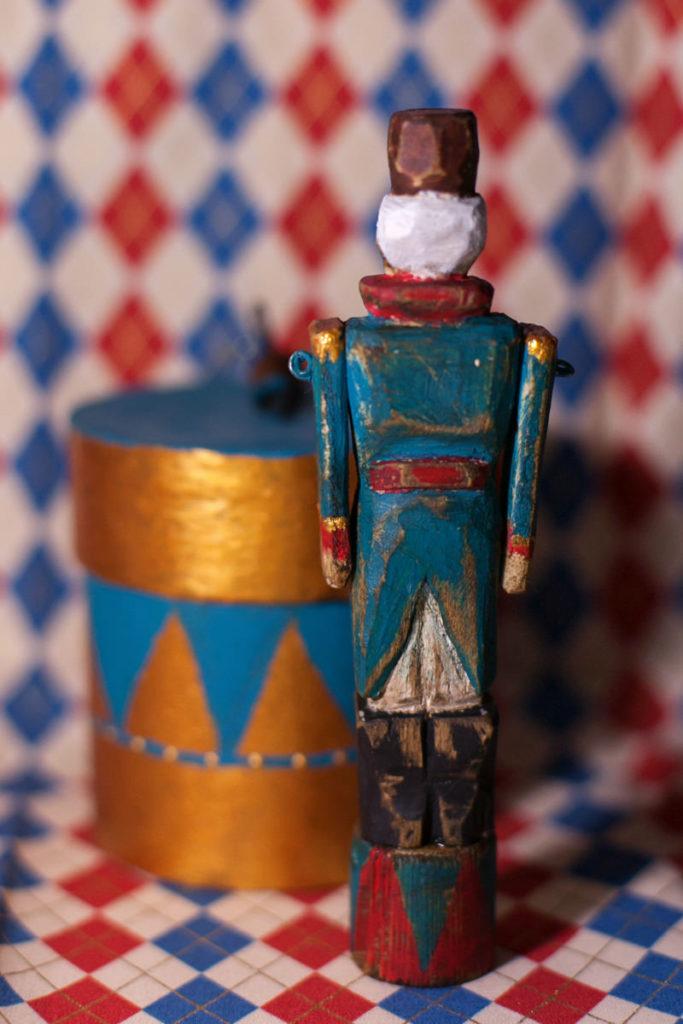 Деревянный солдатик ретро